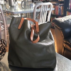 Gap/ Leather/ Tote/
